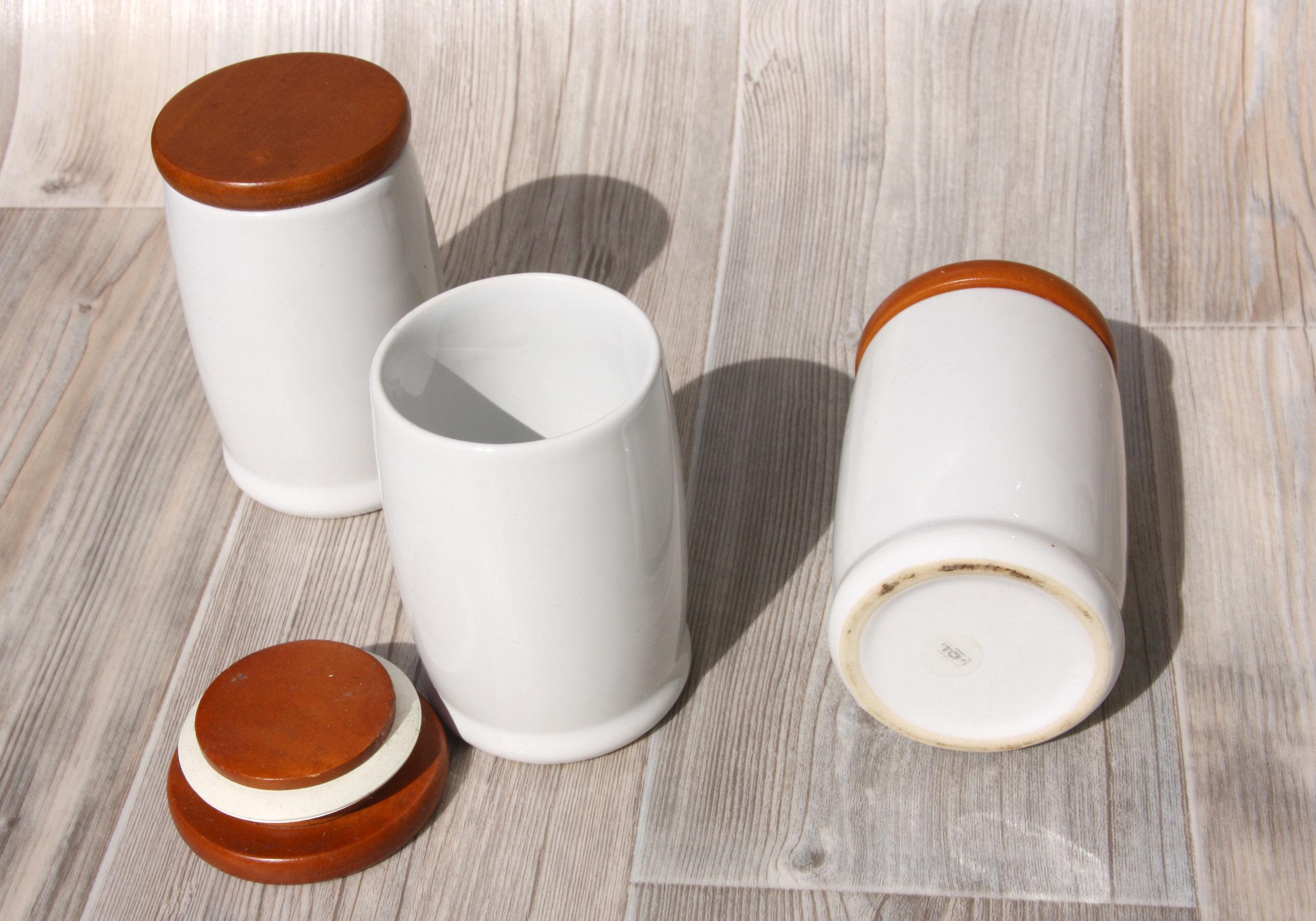 drei keramik vorratsdosen von tcm tchibo gew rzdose mit holzdeckel ebay. Black Bedroom Furniture Sets. Home Design Ideas